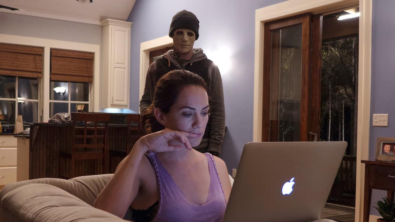 Hush är en av bra filmer bland skräckisar på streamingtjänsterna.